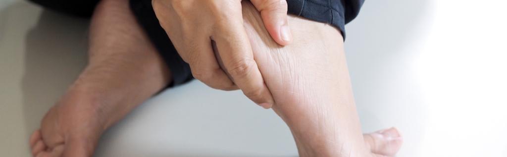 Hielspoor, een hardnekkige blessure die veel mensen kunnen oplopen. Hielspoor is goed te behandelen echter de behandelingen kunnen lang duren.